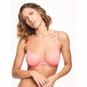 Chantelle • Modern Invisible Plunge Bra Size 32D